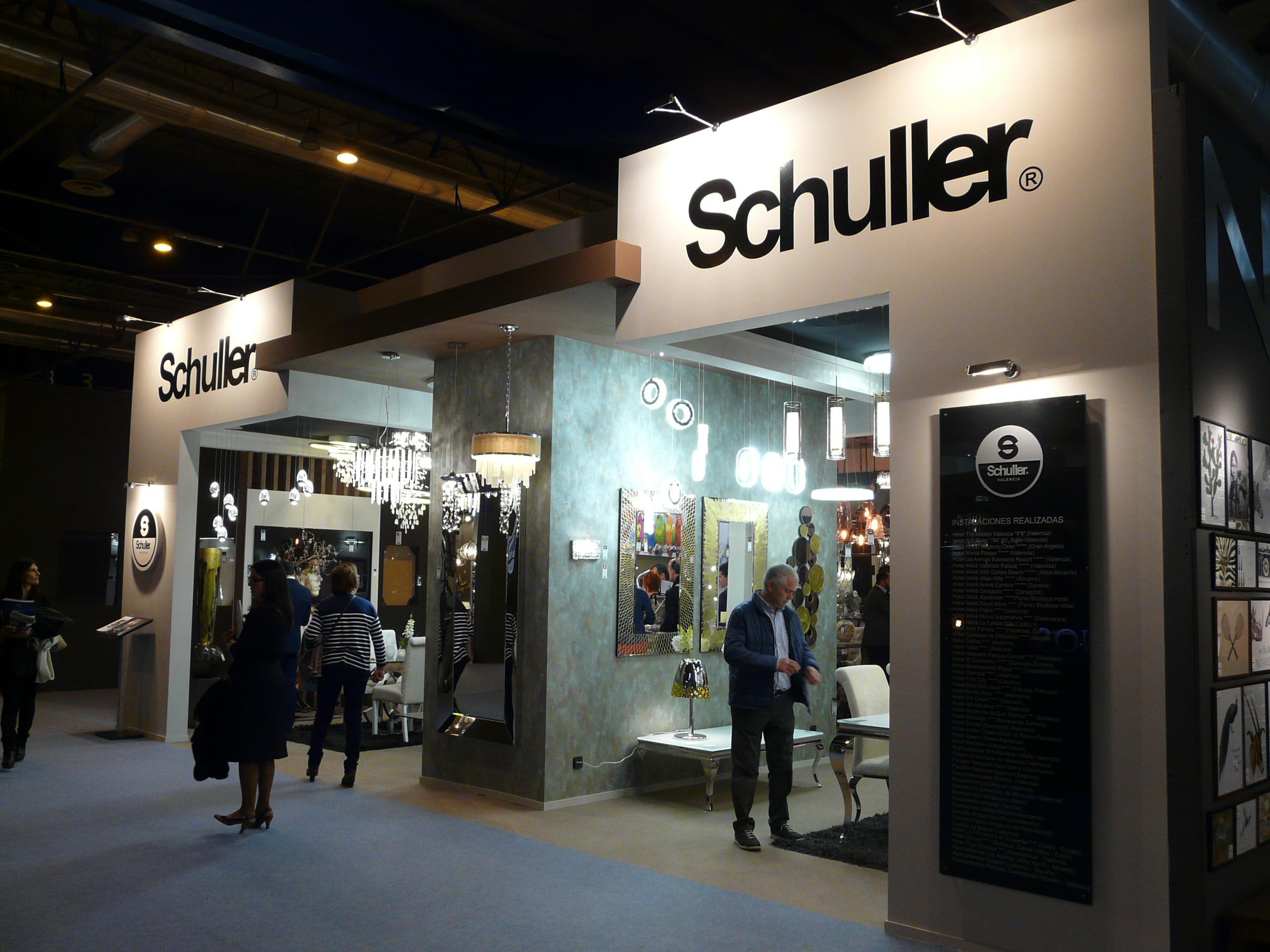 Schuller asiste un a o mas a la feria intergift de madrid for Feria decoracion madrid