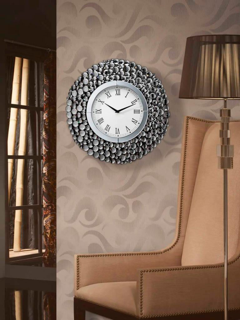 Ideas para decorar con relojes de pared schuller for Relojes para salon